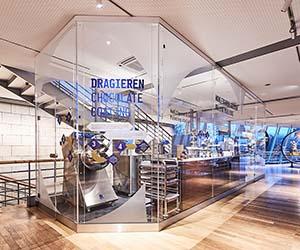 Sonderanfertigung Maschinen-Einhausung aus PLEXIGLAS im Kölner Schokoladenmuseum